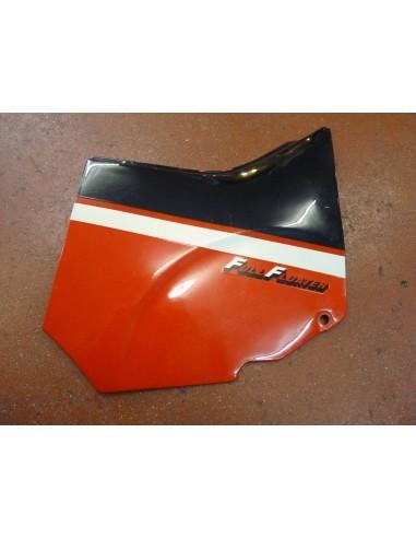Flanc arrière GSXR 1100/87