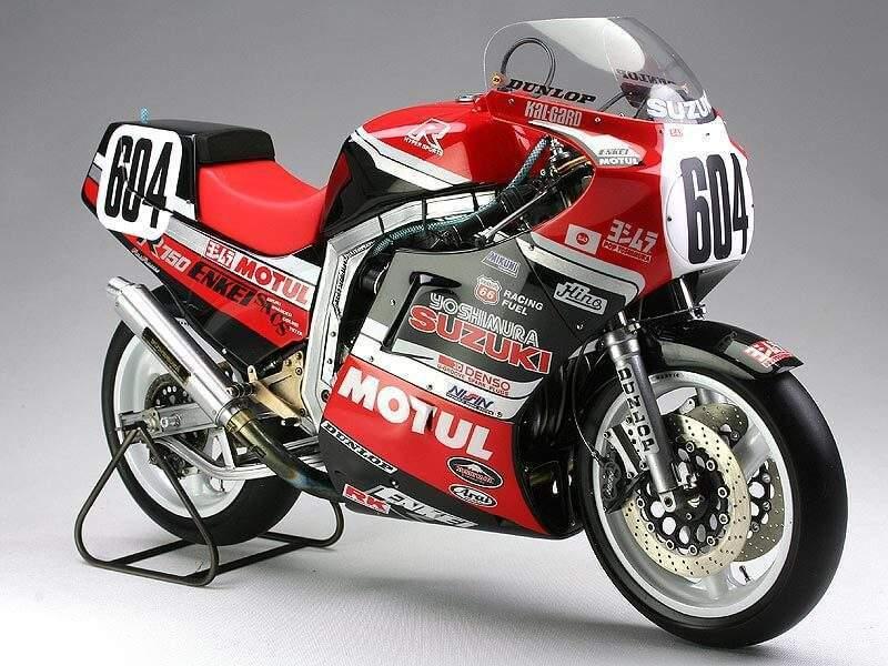 suzuki-yoshimura-ama-superbike-1986.jpg